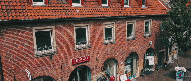 Hausfelder-Lederwaren + O2, Marktstrasse 5<br>48249 Duelmen